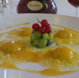 raviole-dananas-à-la-mangue-kiwi-et-au-citron-vert