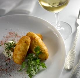 Cromesquis-d'huîtres-sauce-tartare-foisonnée