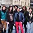 """Les huits co-réalisateurs du web documentaire """"Etre Street fooder à Bordeaux"""" prennent la pose."""